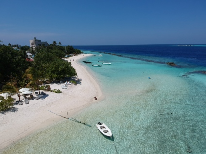 Thulusdhoo Island